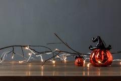 Accesorios del concepto del fondo del festival del feliz Halloween de las decoraciones Foto de archivo libre de regalías