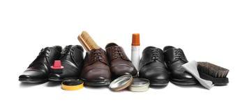 Accesorios del cuidado del calzado y del zapato de los hombres elegantes fotos de archivo