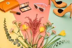 Accesorios del diseño de la moda esencial cosmético Imagenes de archivo