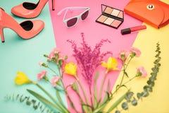 Accesorios del diseño de la moda esencial cosmético Imagen de archivo libre de regalías