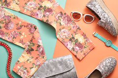 Accesorios del inconformista de la moda Equipo urbano de Stylishn Imágenes de archivo libres de regalías