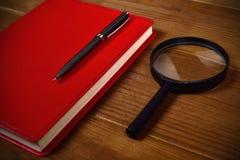 Accesorios del negocio en la mesa Imagen de archivo