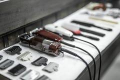 Accesorios del peluquero en barbería Imagenes de archivo