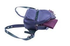 Accesorios del ` s de las mujeres en una mochila Imagen de archivo libre de regalías