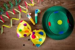 Accesorios del sombrero y del carnaval del payaso Imagen de archivo