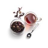 Accesorios del té en un fondo blanco Fotografía de archivo libre de regalías