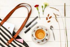 Accesorios del té y del monedero del limón imagen de archivo