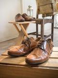 Accesorios del varón del vintage Zapatos de cuero Imagen de archivo