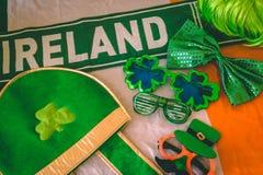 Accesorios del vestido del día del ` s de St Patrick Foto de archivo libre de regalías