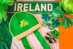 Accesorios del vestido del día del ` s de St Patrick Fotos de archivo libres de regalías