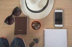 Accesorios del viaje del concepto de la visión superior Fotografía de archivo libre de regalías