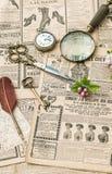 Accesorios del vintage que escriben a herramientas vieja endecha del plano de la revista de moda Imagen de archivo libre de regalías