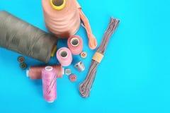 Accesorios e hilos de costura Fotografía de archivo