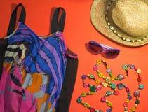 Accesorios elegantes de la playa del verano Humor de las vacaciones Foto de archivo libre de regalías