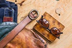 Accesorios en el de madera Fotos de archivo libres de regalías