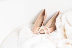 Accesorios femeninos en blanco Fotografía de archivo libre de regalías