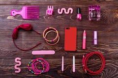 Accesorios, maquillaje y teléfono Foto de archivo