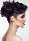 Accesorios modelo hermosos de la boda del pelo que llevan Foto de archivo