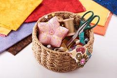 Accesorios para coser Imagen de archivo libre de regalías
