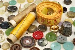 Accesorios para coser Fotos de archivo libres de regalías