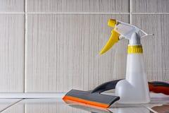 Accesorios para el arma mojado de la limpieza y de espray Fotografía de archivo libre de regalías