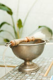 Accesorios para el bautizo baño en la fuente bautismal Fotografía de archivo libre de regalías