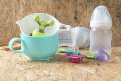 Accesorios para el bebé, accesorios de alimentación del bebé Fotografía de archivo libre de regalías