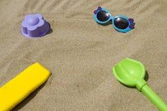 Accesorios para el bebé de la playa Imágenes de archivo libres de regalías