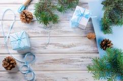 Accesorios para embalar regalos de Navidad creativos Foto de archivo