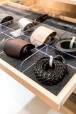 Accesorios para hombre en cajón del armario Fotos de archivo libres de regalías