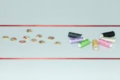 Accesorios para la costura de la mano Imágenes de archivo libres de regalías