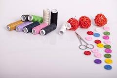 Accesorios para la costura de la mano Foto de archivo libre de regalías