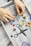 Accesorios para la creatividad en costura Foto de archivo libre de regalías