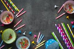Accesorios para la hornada del día de fiesta y del cumpleaños Fotos de archivo libres de regalías