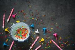 Accesorios para la hornada del día de fiesta y del cumpleaños Foto de archivo libre de regalías