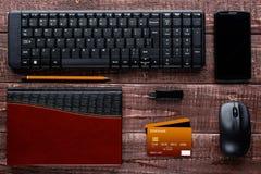 Accesorios para las compras y el pago en línea Foto de archivo