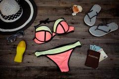 Accesorios para las vacaciones de verano Imágenes de archivo libres de regalías