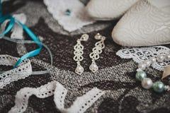Accesorios para mujer para el traje festivo 8855 Imagen de archivo libre de regalías