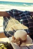 Accesorios para relajarse en la playa Fotos de archivo libres de regalías