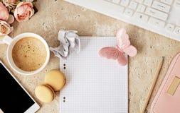 Accesorios planos del cuaderno y de la oficina de la endecha Fotografía de archivo