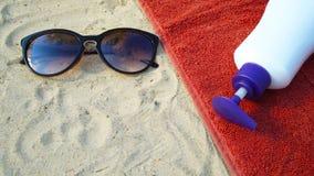 Accesorios por días de fiesta de la playa Fotos de archivo libres de regalías