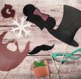 Accesorios por un día de fiesta de la diversión de la moda de papel, labios, bigotes Foto de archivo libre de regalías