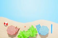 Accesorios por vacaciones de verano en la arena Fotografía de archivo libre de regalías