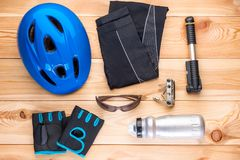 Accesorios protectores para completar un ciclo y las herramientas Fotos de archivo