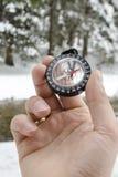 Accesorios que caminan del nordic de la montaña del invierno Foto de archivo