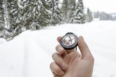 Accesorios que caminan del nordic de la montaña del invierno Fotografía de archivo libre de regalías