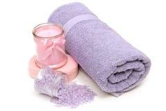 Accesorios relajantes del baño revisados Imagen de archivo libre de regalías
