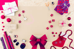 Accesorios rosados de la Navidad Fotografía de archivo