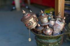 Accesorios tibetanos del ritual del rezo Imágenes de archivo libres de regalías
