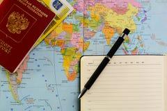 Accesorios y artículos, concepto del ` s del viajero del viaje Fotos de archivo